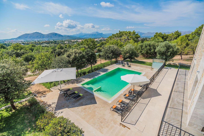 Villa Salou in Alcudia (Mallorca North) for 12 persons to rent
