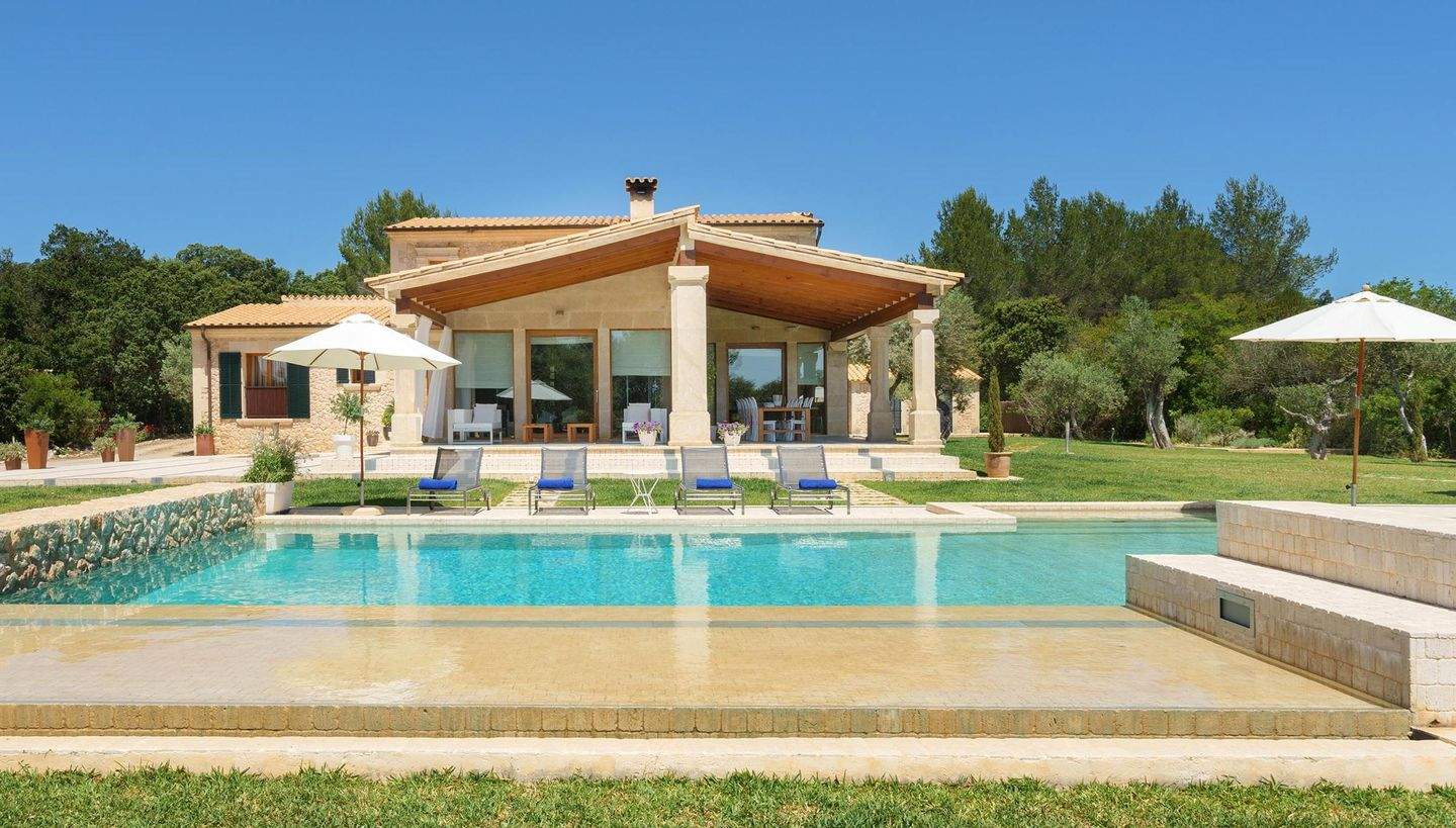 21 Photos. Overview; Equipment; Situation; Availability; Price; Book. Holiday  Rental Mallorca ...